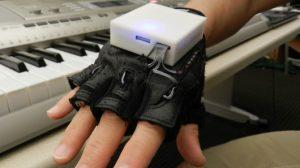 mobile-music-touch-glove